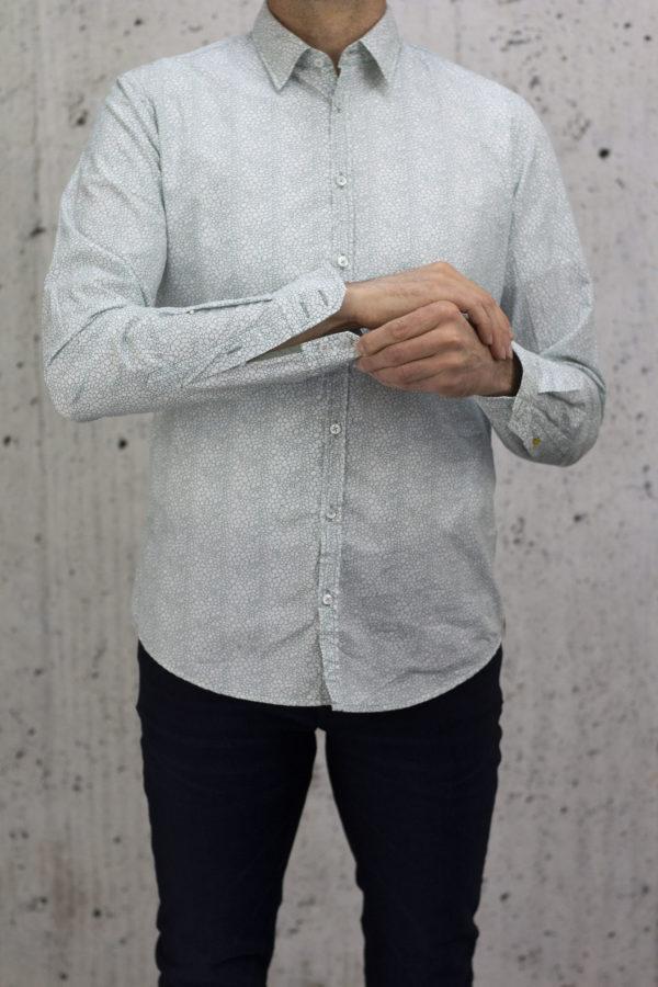 q1-43-1870-Q314-44-Steve-q1-manufaktur-slimfit-hemd-business-premium-casual-urban-600×900